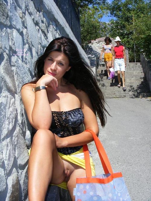 elle se masturbe en public beau cul en legging